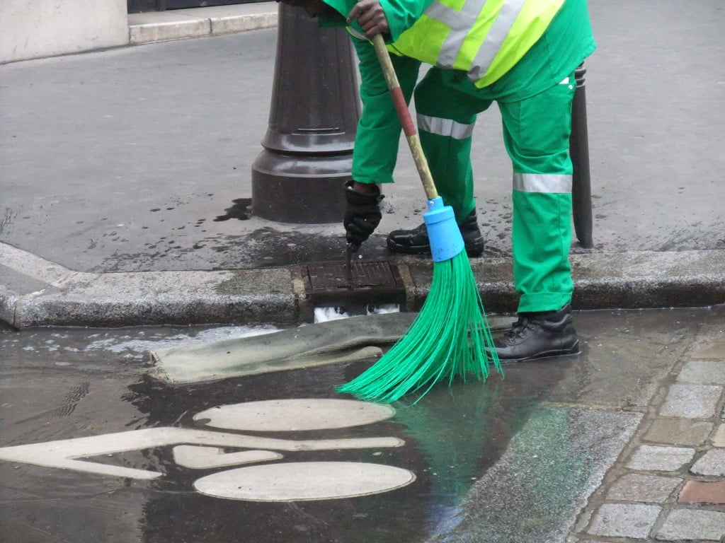 water-tap-for-pavement-cleaning